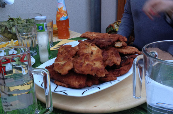selbst-gemachte-schnitzel-essen-03