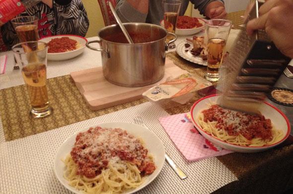 spaghetti-essen-bei-mama